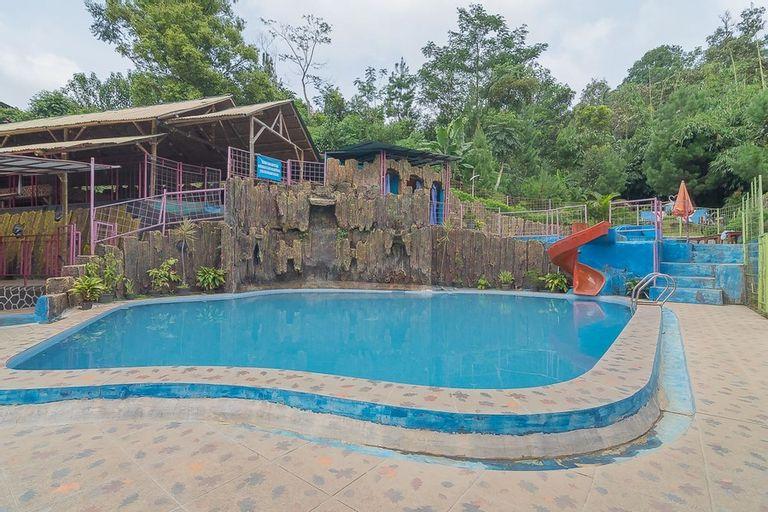 RedDoorz Resort Syariah @ Batu Apung Purwakarta, Purwakarta