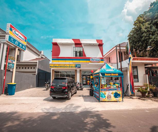 OYO 842 Arafuru Residence Near Rs Duren Sawit, Jakarta Timur