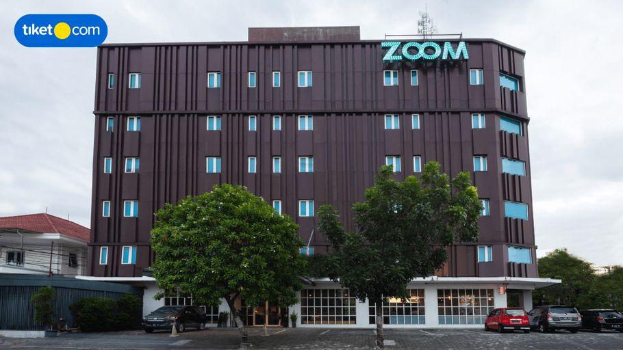 Zoom Hotel Jemursari Surabaya, Surabaya