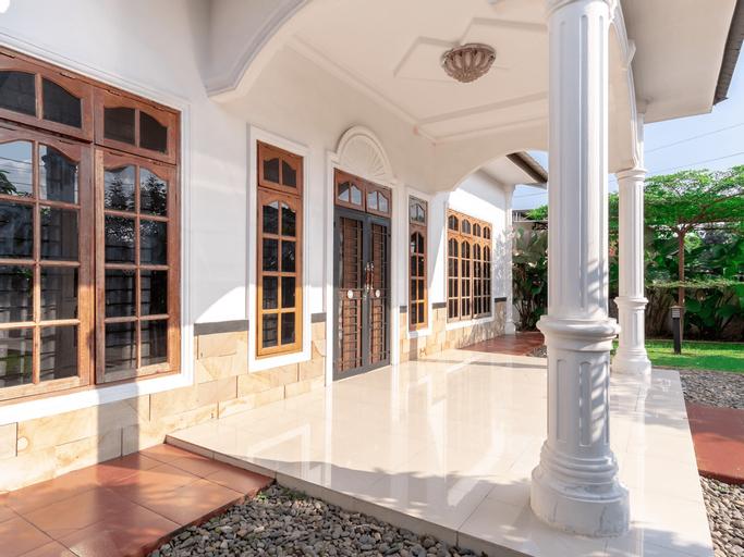 OYO 1632 1000 House Syariah, Medan
