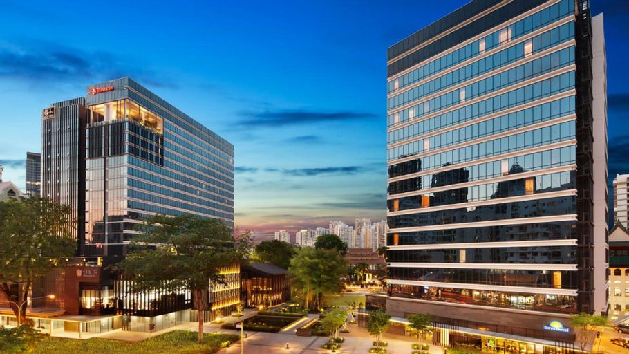 Days Hotel by Wyndham Singapore at Zhongshan Park, Novena