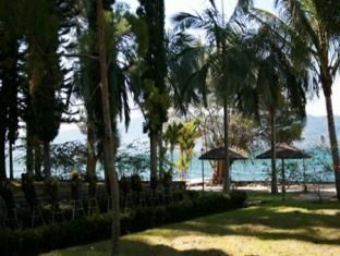 Pandu Lakeside Hotel Tuktuk, Samosir