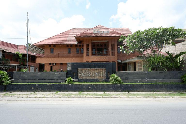 RedDoorz Plus near Haluoleo University, Kendari