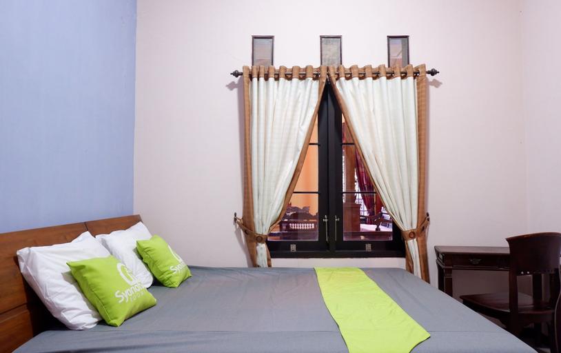 Villa Griya Joglo - 4 Bedrooms, Malang