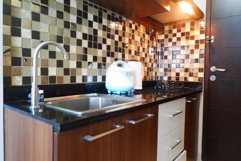 Strategic & Comfy Studio Apartment at Tamansari Papilio By Travelio, Surabaya