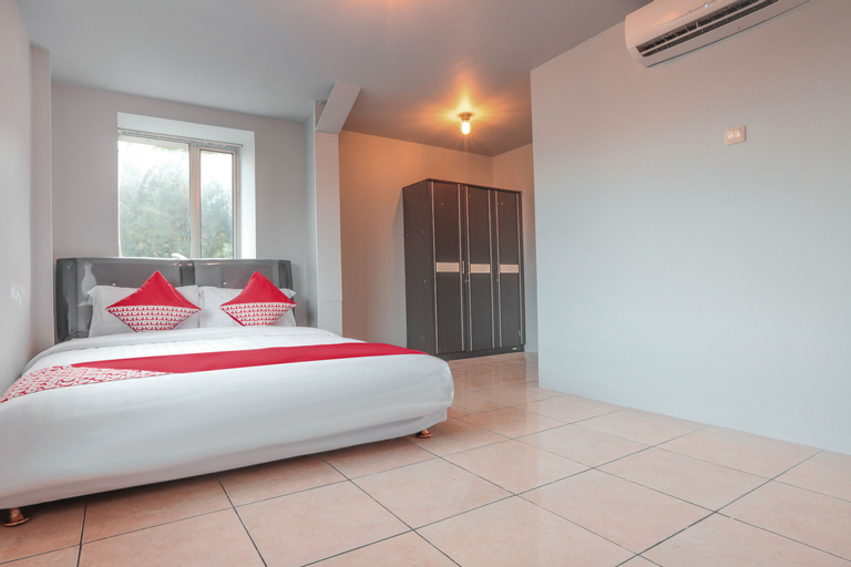 OYO 208 G House Near RS Siloam Pasar Baru, Central Jakarta