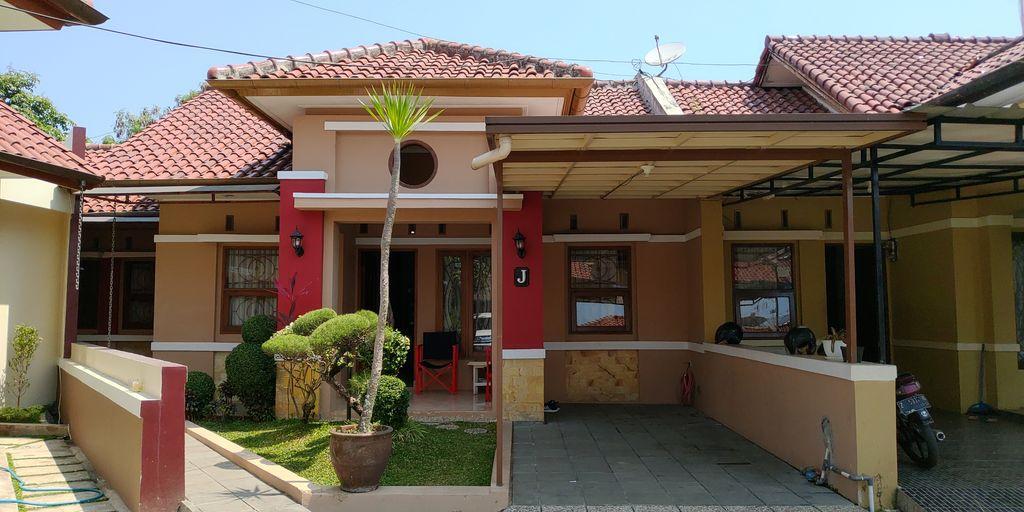 Bojong Homestay Syariah Tasikmalaya 4BR (Whole House) 8-Persons, Tasikmalaya