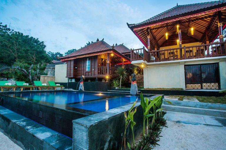 The Kubu 221 Ceningan, Klungkung