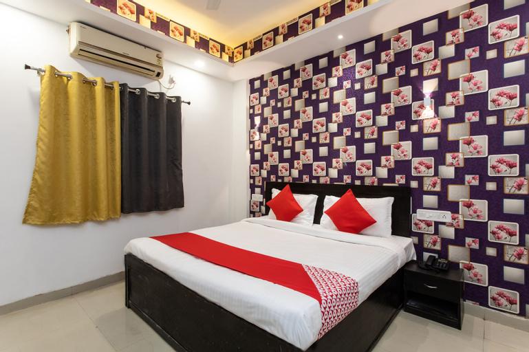 OYO 22734 Hotel Yo-94, Indore