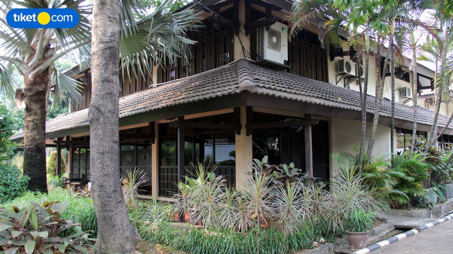 C One Hotel Pulomas, East Jakarta