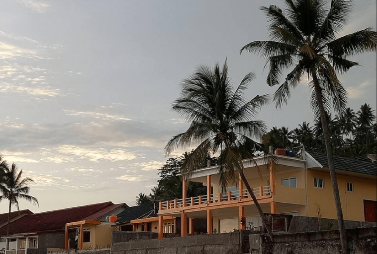 Villa Mila Tepi Pantai Karang Hawu, Sukabumi