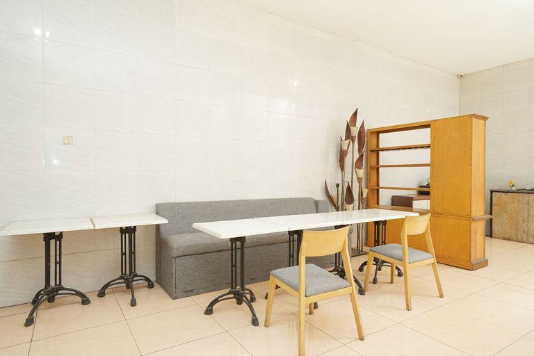 OYO 425 mojokerto guesthouse, Mojokerto