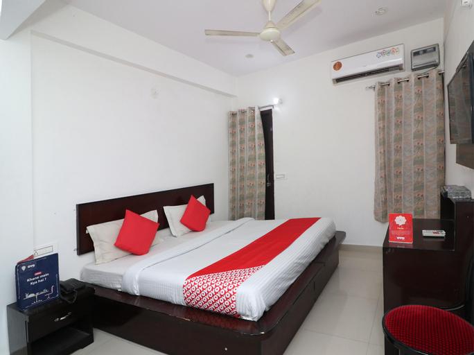 OYO 23504 Hotel Panther, Rohtak