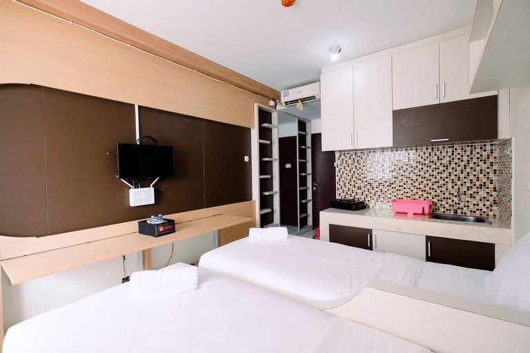 East Park Studio Apartment with Twin Beds By Travelio, East Jakarta