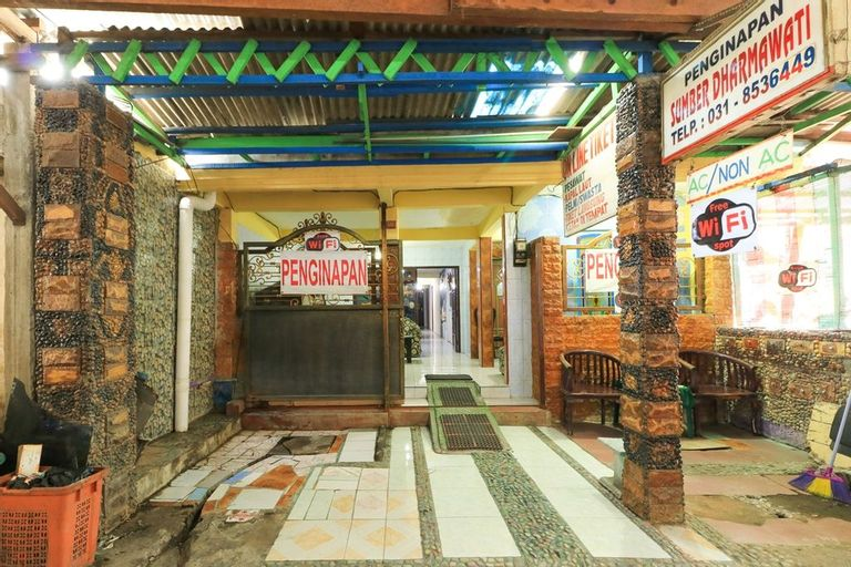 Dharmawati Homestay Surabaya, Surabaya