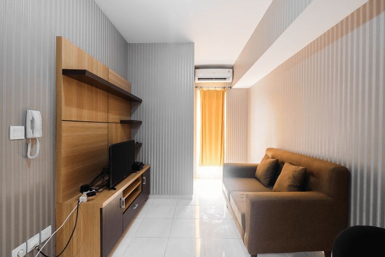 Relaxing 2BR Apartment at The Springlake Summarecon By Travelio, Bekasi