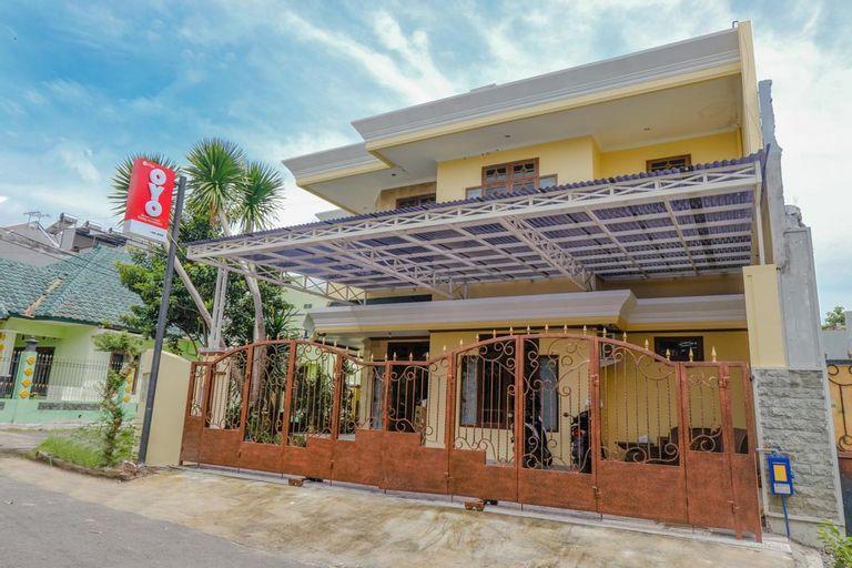 OYO 2733 Omah Cimbar Family Residence, Malang