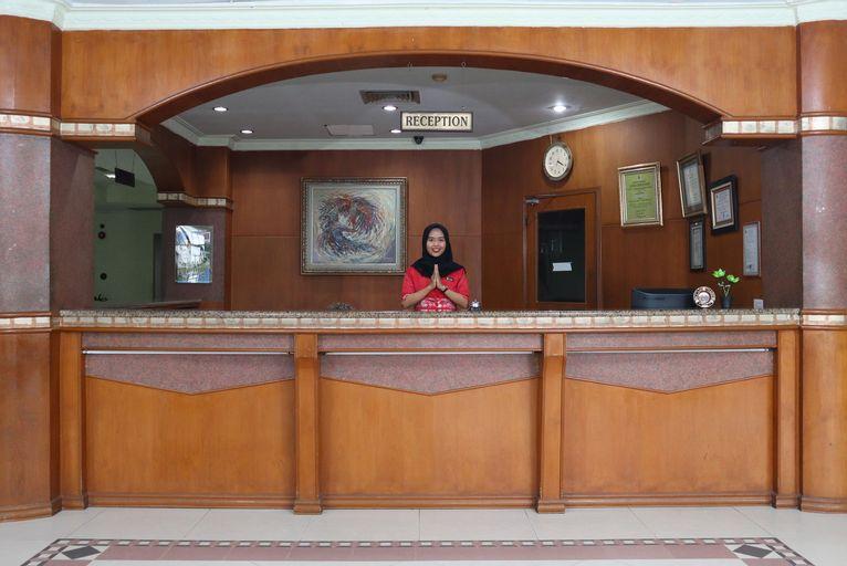 OYO 742 Mona Plaza Hotel, Pekanbaru