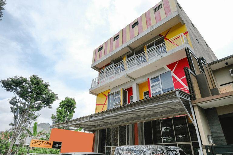 SPOT ON 2387 Bukit Cemara Tidar Family, Malang