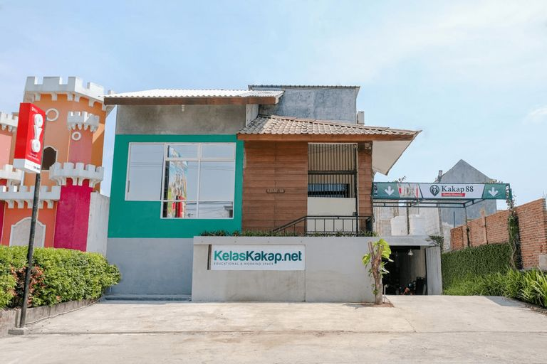 OYO 1622 Kakap 88 Family Homestay, Malang