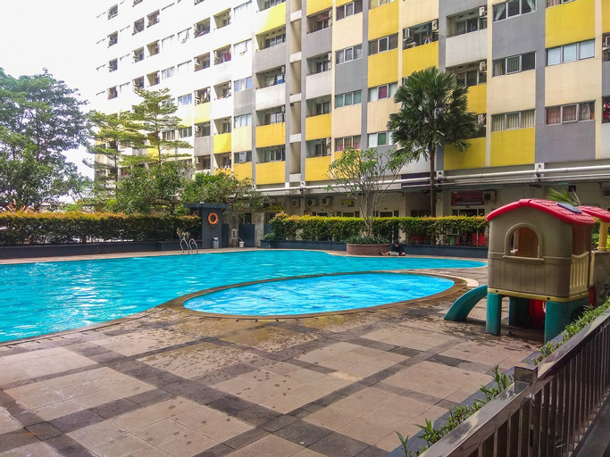 Cozy Room 1BR Gray Tower Sentra Timur Apartment By Travelio, East Jakarta