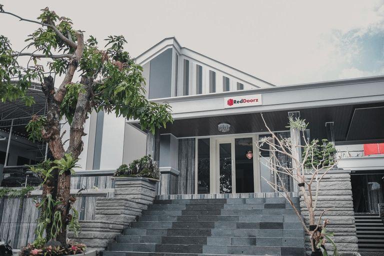 RedDoorz Plus @ Jalan Dr. Cipto Mangunkusumo Lampung, Bandar Lampung