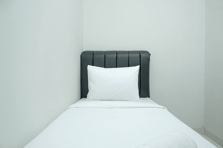 Simple and Minimalist 3BR Apartment at Puri Mansion By Travelio, Jakarta Barat