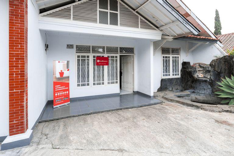 RedDoorz Syariah near RSUD Cimacan, Cianjur
