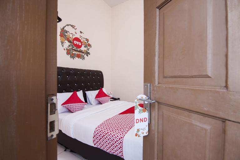 OYO 885 Tangkul Residence, Medan