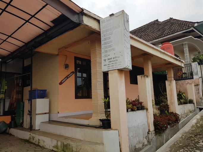 Homestay Bu Suhar, Malang