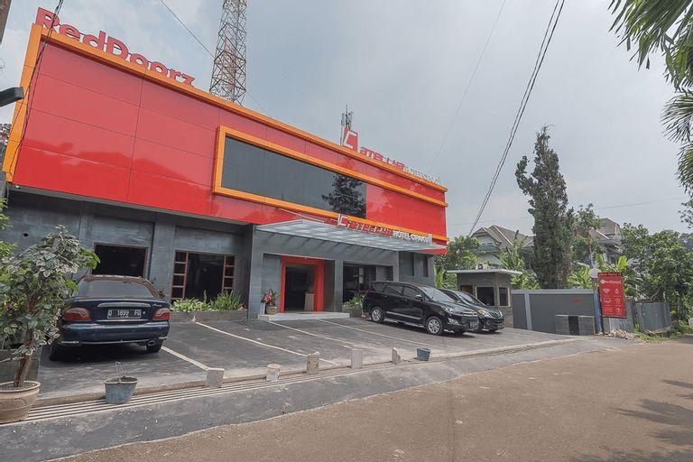 RedDoorz @ Cipaku, Bandung