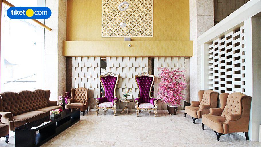 Travellers Hotel Phinisi Makassar, Makassar