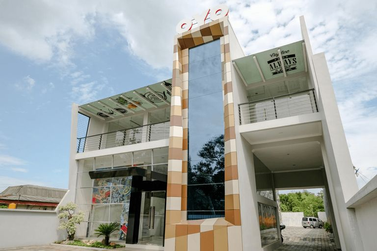 OYO 2140 Hs Residence, Tulungagung