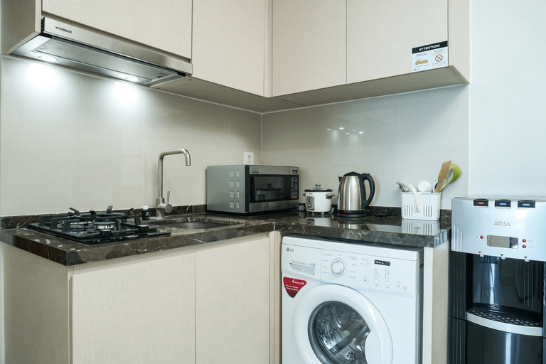 Comfy 1BR at Puri Mansion Apartment By Travelio, West Jakarta