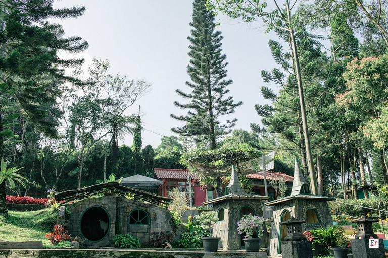 The Pinewood Lodge & Organic Farm, Bogor