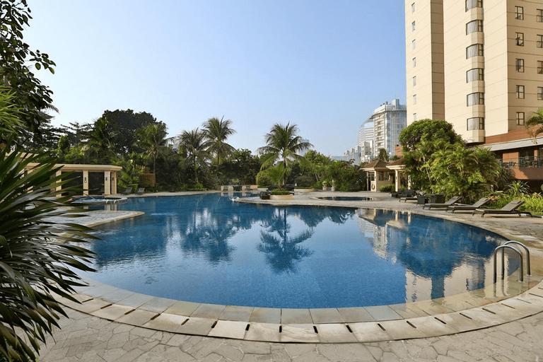 3BR City View Sudirman Condominium Apartment by Travelio, Jakarta Selatan