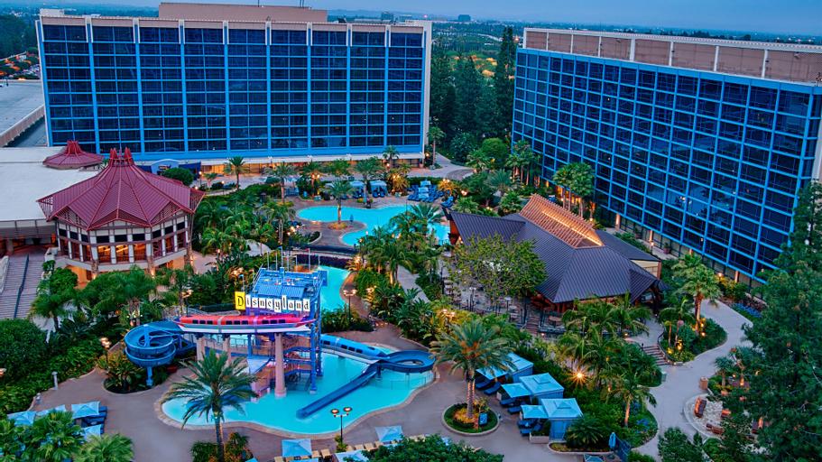 Disneyland Hotel, Orange