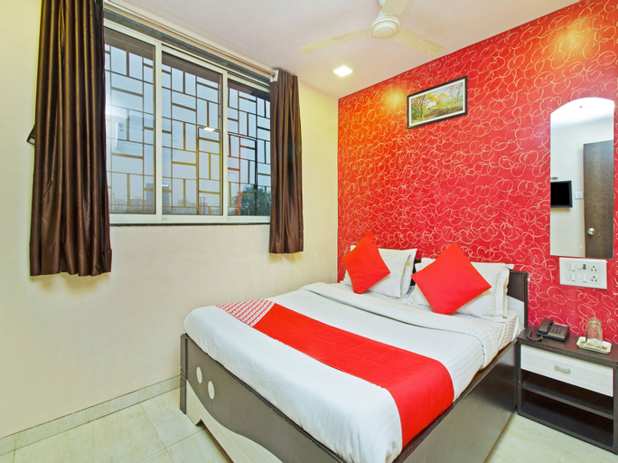 OYO 22468 Hotel Nirsukh Palace, Raigarh