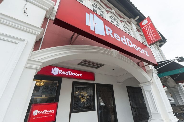 RedDoorz Hotel near Marine Parade Central, Bedok