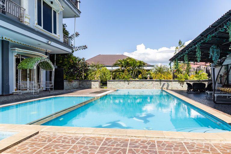 RedDoorz Premium @ Sea Residence Manado, Manado