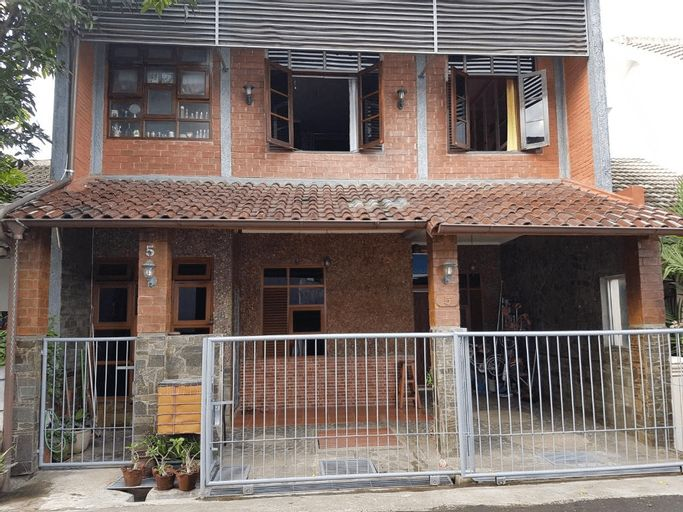 The Brick House, Cimahi