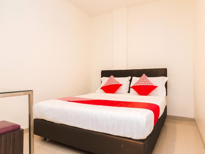 OYO 1635 New Star Hotel, Batam