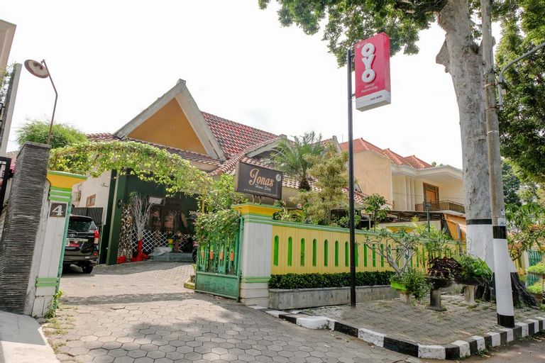 OYO 2772 Jonas Homestay, Malang