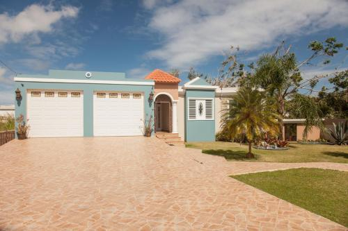 Big vacational house in Isabela / Aguadilla,