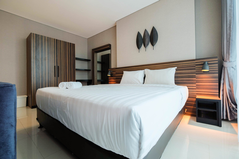 Spacious and Artsy Studio Apartment at Brooklyn Alam Sutera By Travelio, Tangerang Selatan