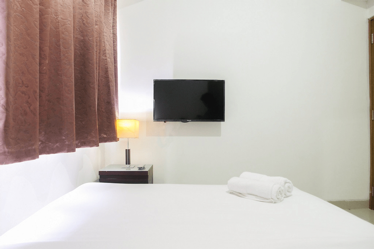 1BR with Working Space The Oasis Apartment Cikarang By Travelio, Cikarang
