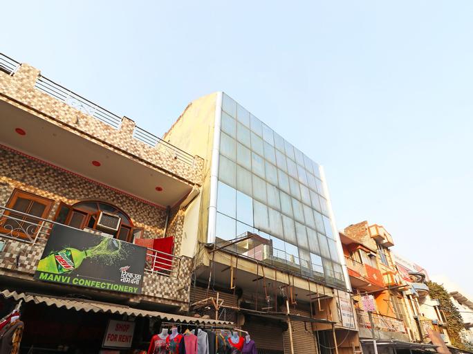 OYO 26906 Hotel Tarang, Faridabad