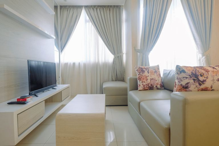 Brand New and Cozy 2BR Kuningan Place Apartment By Travelio, Jakarta Selatan