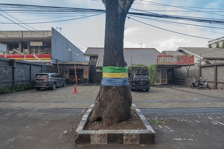 RedDoorz plus near Museum Geologi Bandung, Bandung