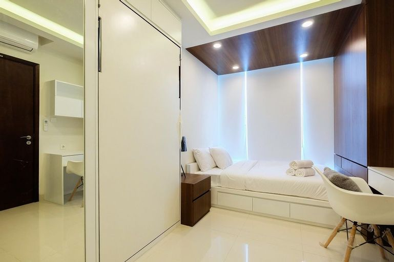1BR for 3 Pax at Brooklyn Alam Sutera Apartment By Travelio, Tangerang Selatan